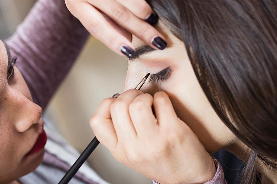 delineador maquillaje para ojos