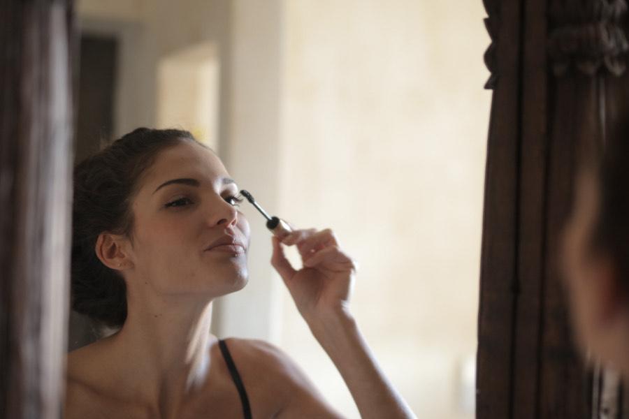 maquillaje natural delineador